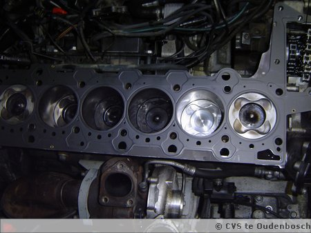 E65 730D tijdens revisie